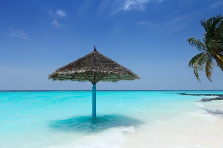 Malediven Strand Sonnenschirm