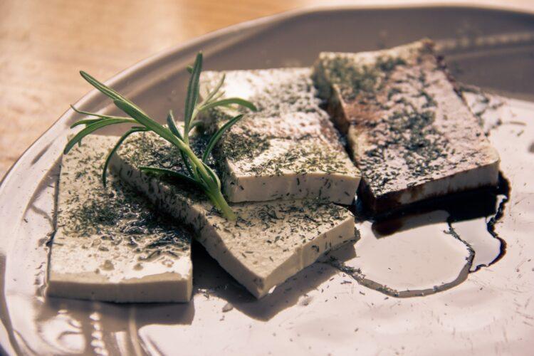 Tofu mit Kräutern