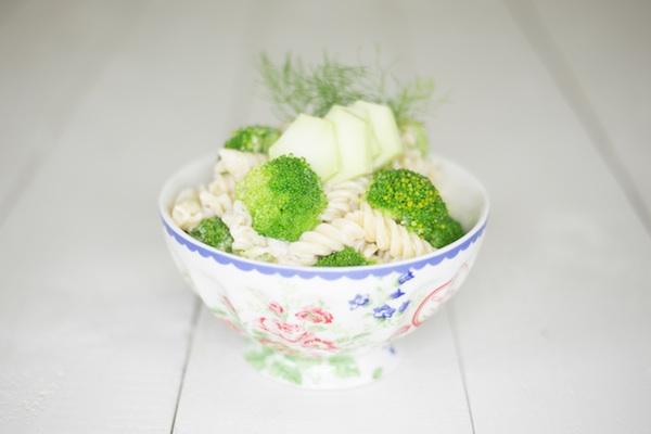Sommerliche Zitronennudeln mit Brokkoli