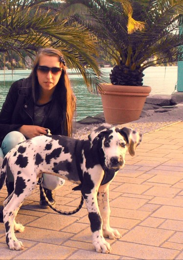 triVida Besitzerin Dania mit ihrem Hund