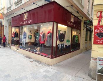 Shop (c) Neubauer Mode