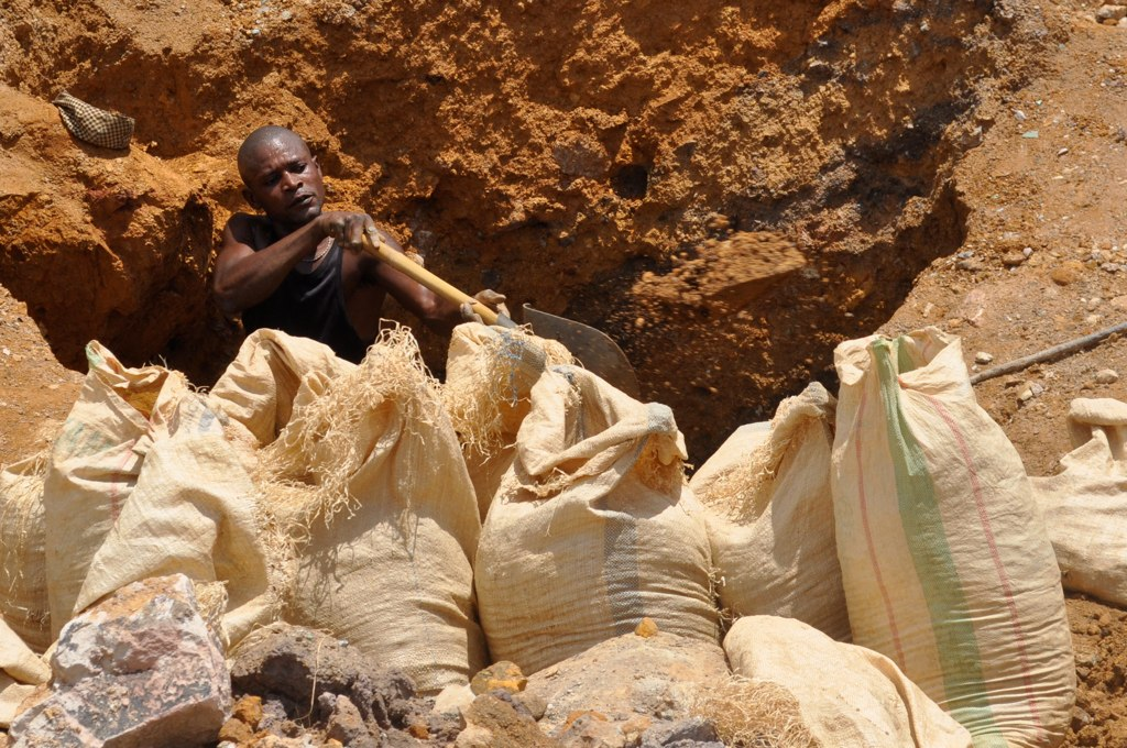 Artisanal mining: Kupferabbau in der DR Kongo. Foto: Fairphone, CC BY-NC-SA 4.0 via FlickR